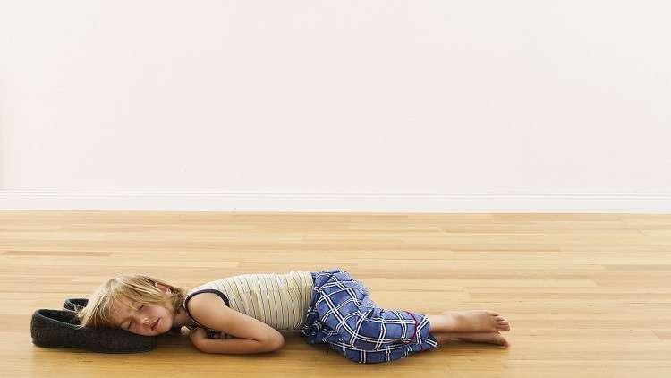 ما سبب عادات نوم الأطفال الغريبة قبل سن الخامسة؟