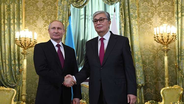 الرئيسان، الروسي فلاديمير بوتين، والكازاخستاني قاسم جومارت توكايف