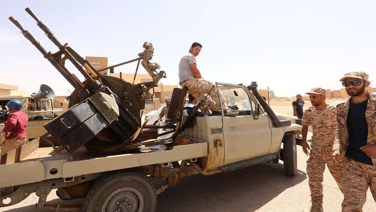 مقاتلون موالون لحكومة الوفاق الوطني الليبية في مدينة مصراتة