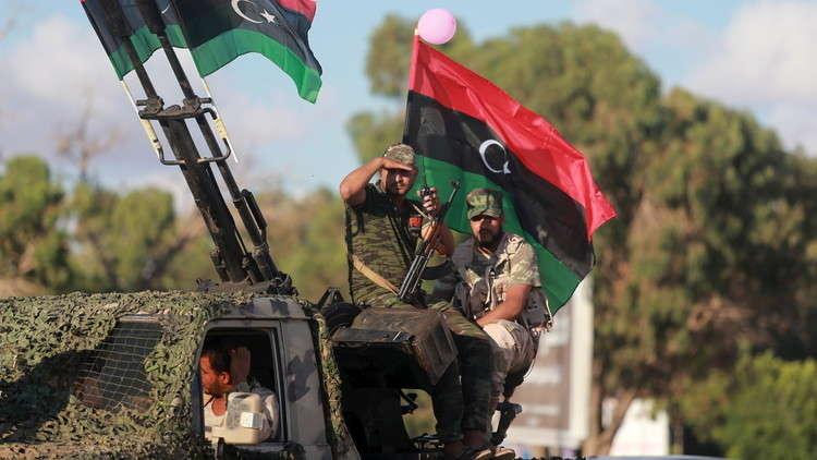 صورة أرشيفية لمقاتلين موالين للمشير خليفة حفتر في بنغازي