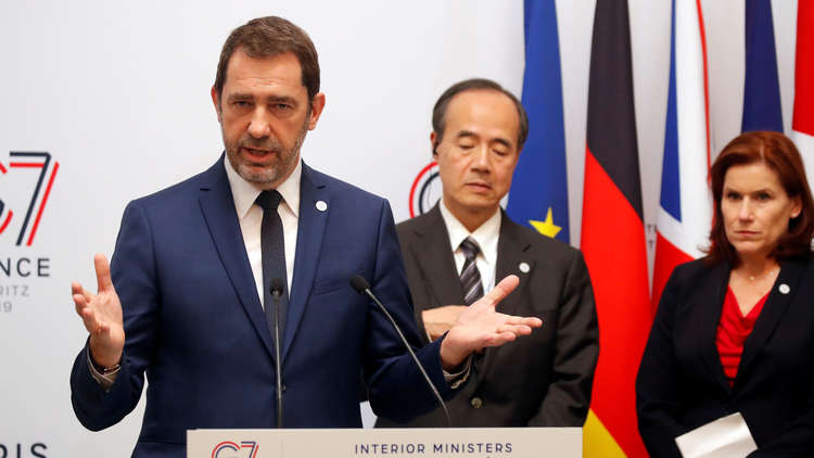 وزير الداخلية الفرنسي، كريستوف كاستانير، في مؤتمر صحفي ختامي لاجتماع وزراء داخلية دول مجموعة