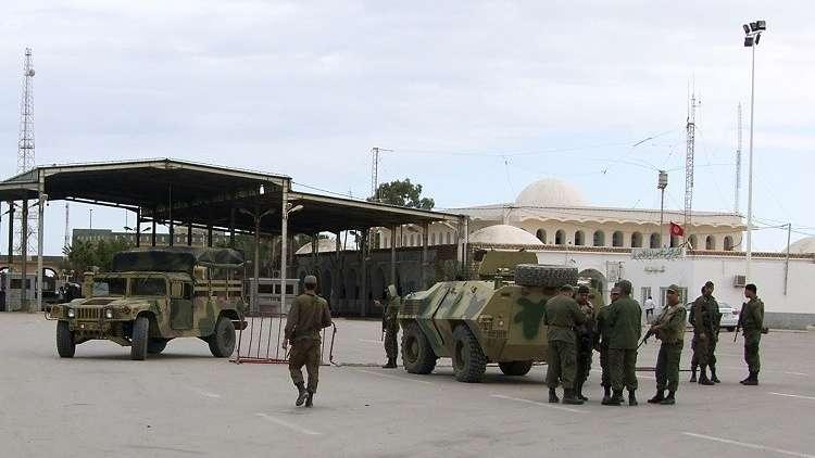 قوات تونسية على الحدود الليبية