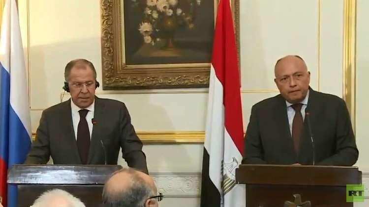 لافروف يدعو الفرقاء الليبيين إلى وقف الاقتتال والجلوس إلى طاولة الحوار