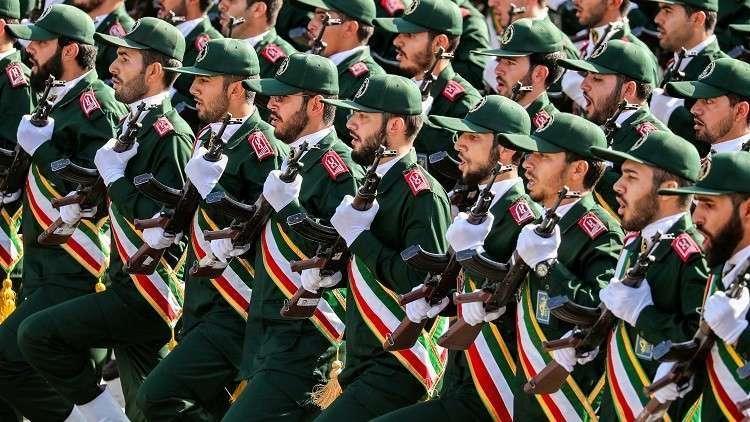 الحرس الثوري يحذر القوات البحرية الأمريكية من الاقتراب من زوارق إيران العسكرية