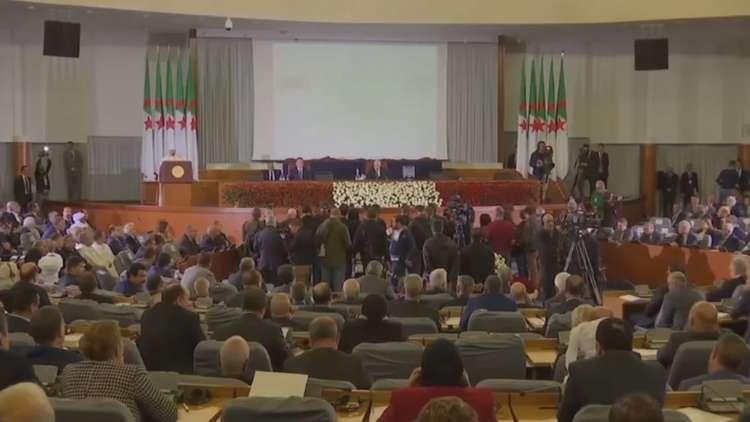 الجزائر: انتخابات رئاسية في 4 تموز يوليو