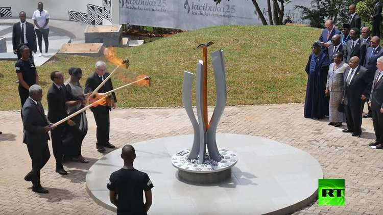 يونكر كاد يحرق سيدة رواندا الأولى