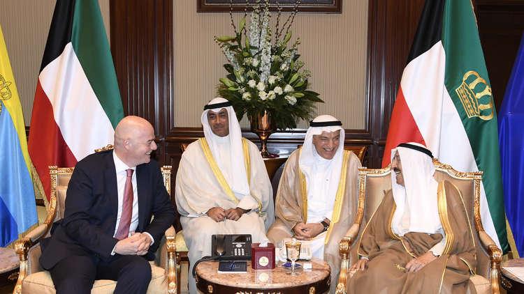 بعد زيارة إنفانتينو.. كرة مونديال قطر 2022 في ملعب الكويت