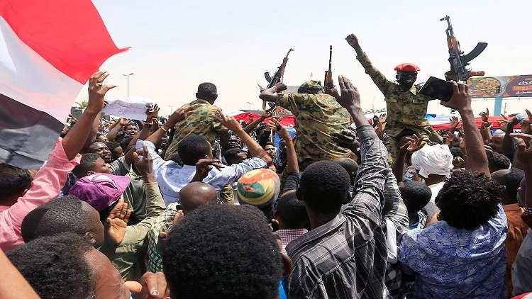 دعوة دولية ثلاثية للأطراف السودانية إلى حوار شامل والانتقال لحكم مدني