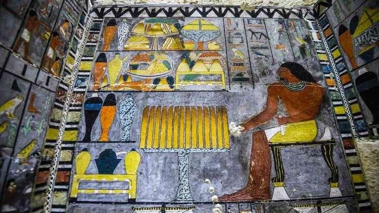 اكتشاف مقبرة تاريخية عمرها 4300 عام جنوب القاهرة (فيديو)