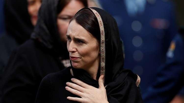 رئيسة وزراء نيوزيلندا جاسيندا أرديرن تواسي أهل الضحايا