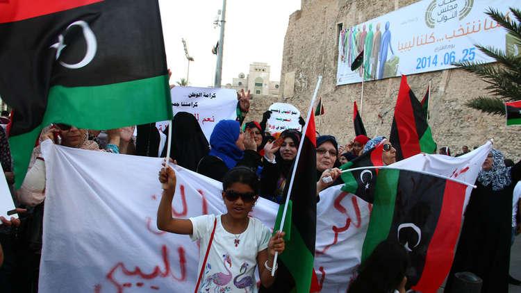 الحنين إلى عهد القذافي يغذي الحرب الليبية