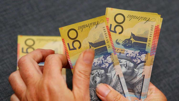 الدولار الأسترالي يقفز بعد بيانات صينية
