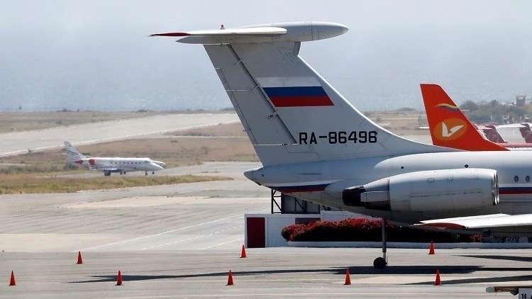 طائرة تحمل العلم الروسي في مطار سيمون بوليفار الدولي في كراكاس، فنزويلا، 24 مارس 2019