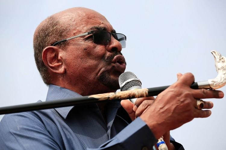 هل ينجح العسكريون السودانيون في السيطرة على الموقف؟