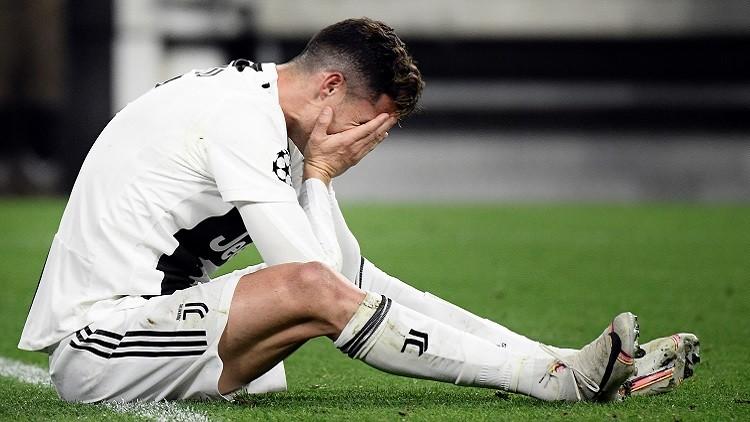 شاهد حزن رونالدو بعد الخروج من دوري أبطال أوروبا (صور)