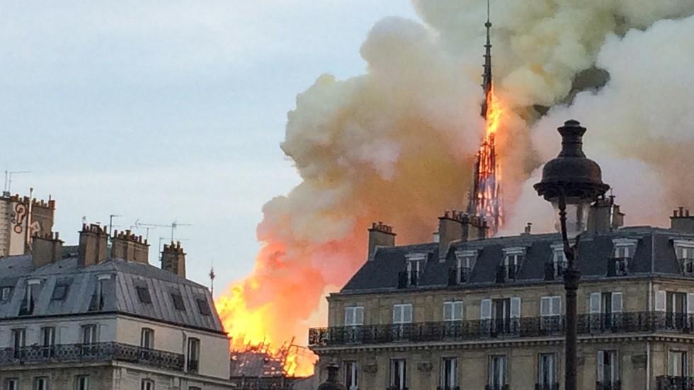 حريق كاتدرائية نوتردام في فرنسا