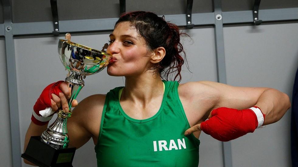 الملاكمة الإيرانية صدف خادم