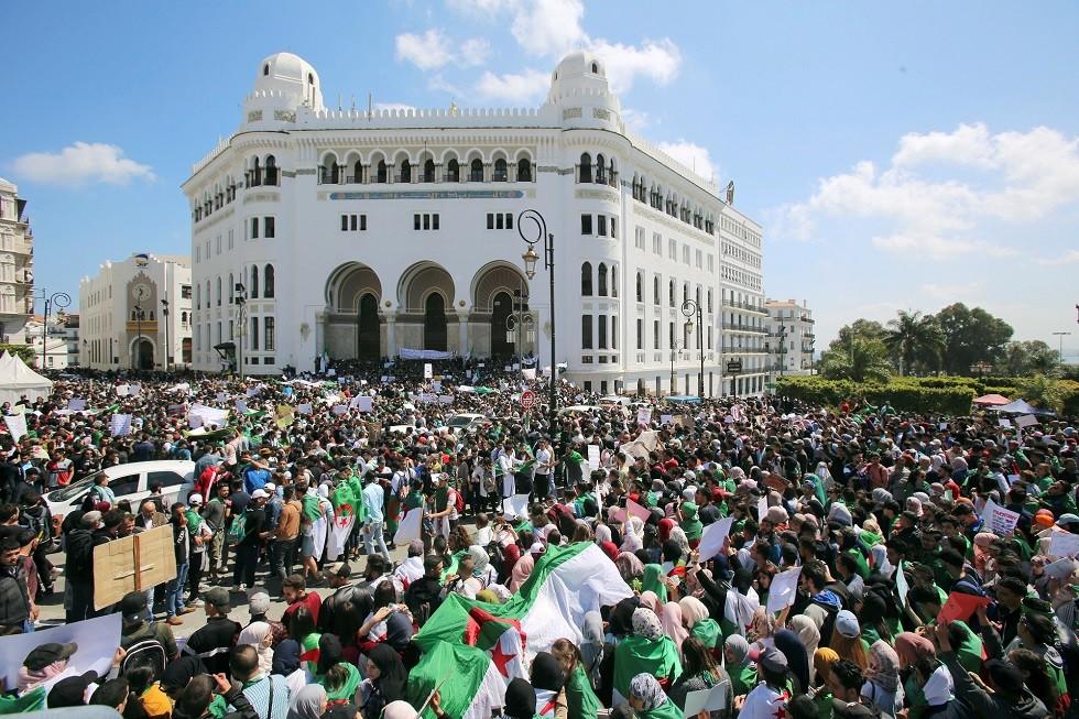 اتحاد عمال الجزائريين يكذب خبر استقالة الأمين العام