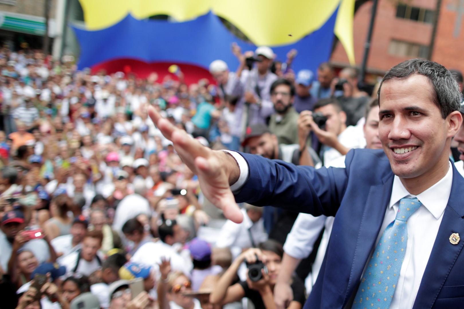 غوايدو: بدء المرحلة الختامية لعزل مادورو يوم 1 مايو