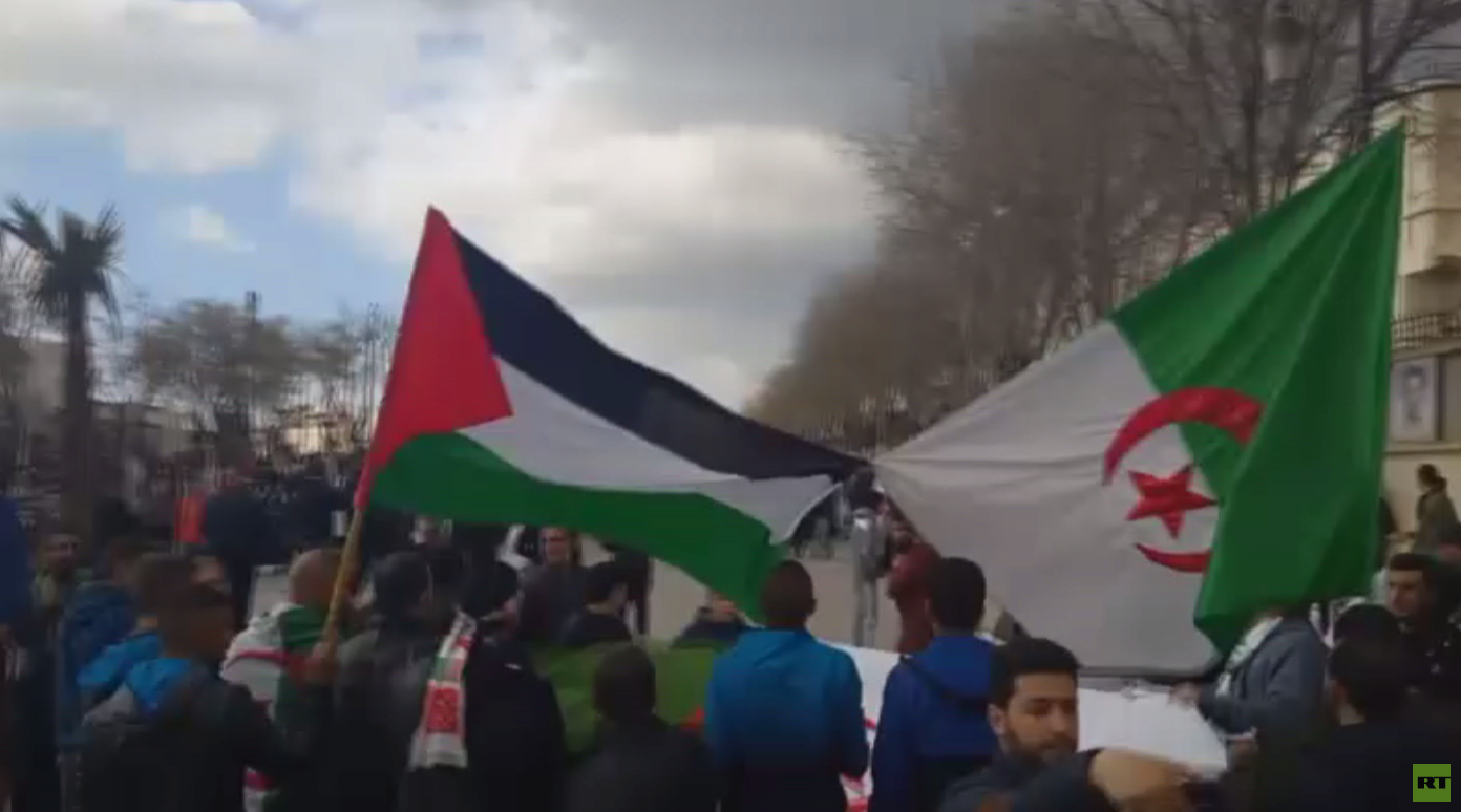 تظاهرات بالجزائر رفضا للنظام السابق