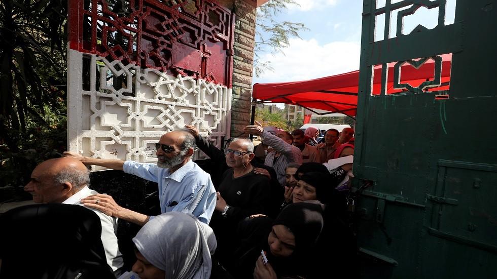 أطول علم مصري في الدقهلية في يوم الاستفتاء على الدستور
