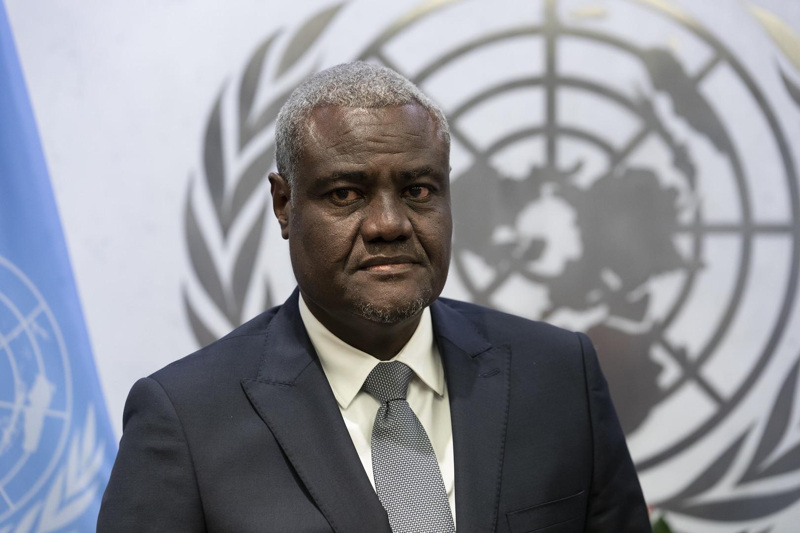 رئيس مفوضية الاتحاد الإفريقي يلتقي رئيس المجلس العسكري الانتقالي السوداني