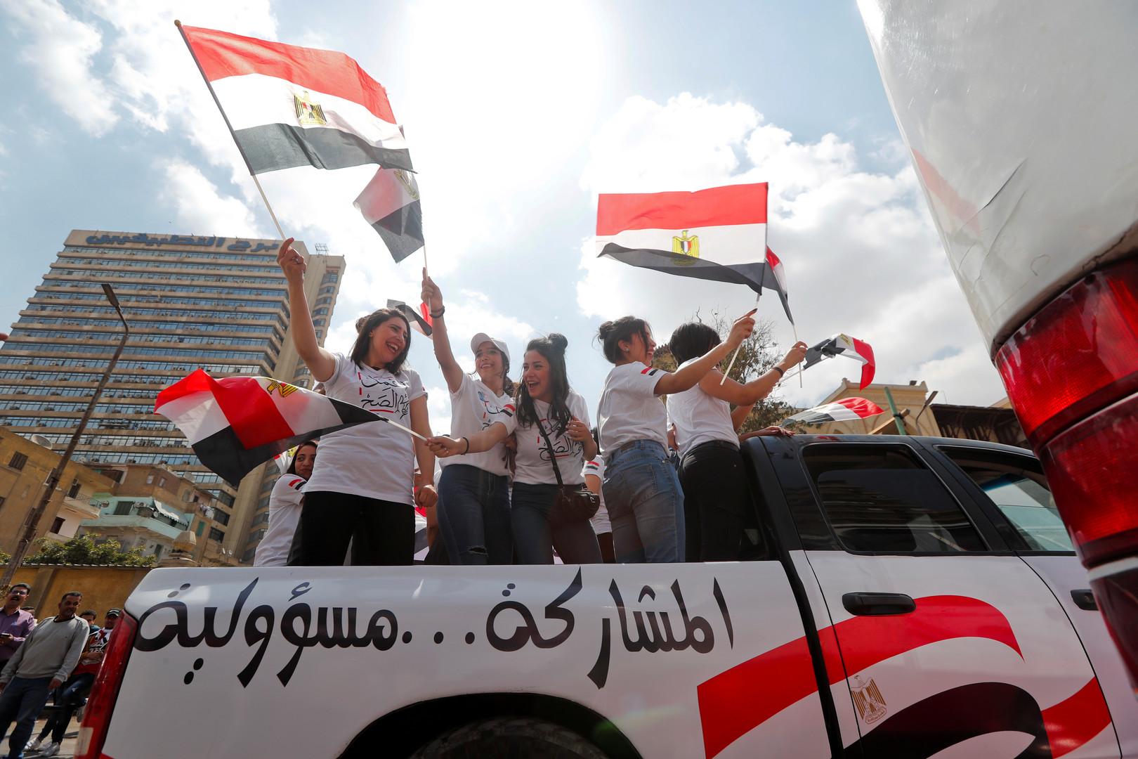 الوطنية للانتخابات المصرية: إرسال موظفين إضافيين لمراكز الاقتراع لكثافة الحضور