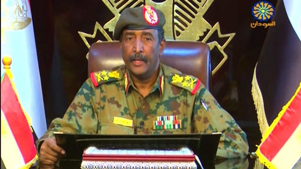 المجلس العسكري في السودان يحيل 8 ضباط برتبة فريق في قيادة جهاز الأمن والمخابرات إلى التقاعد