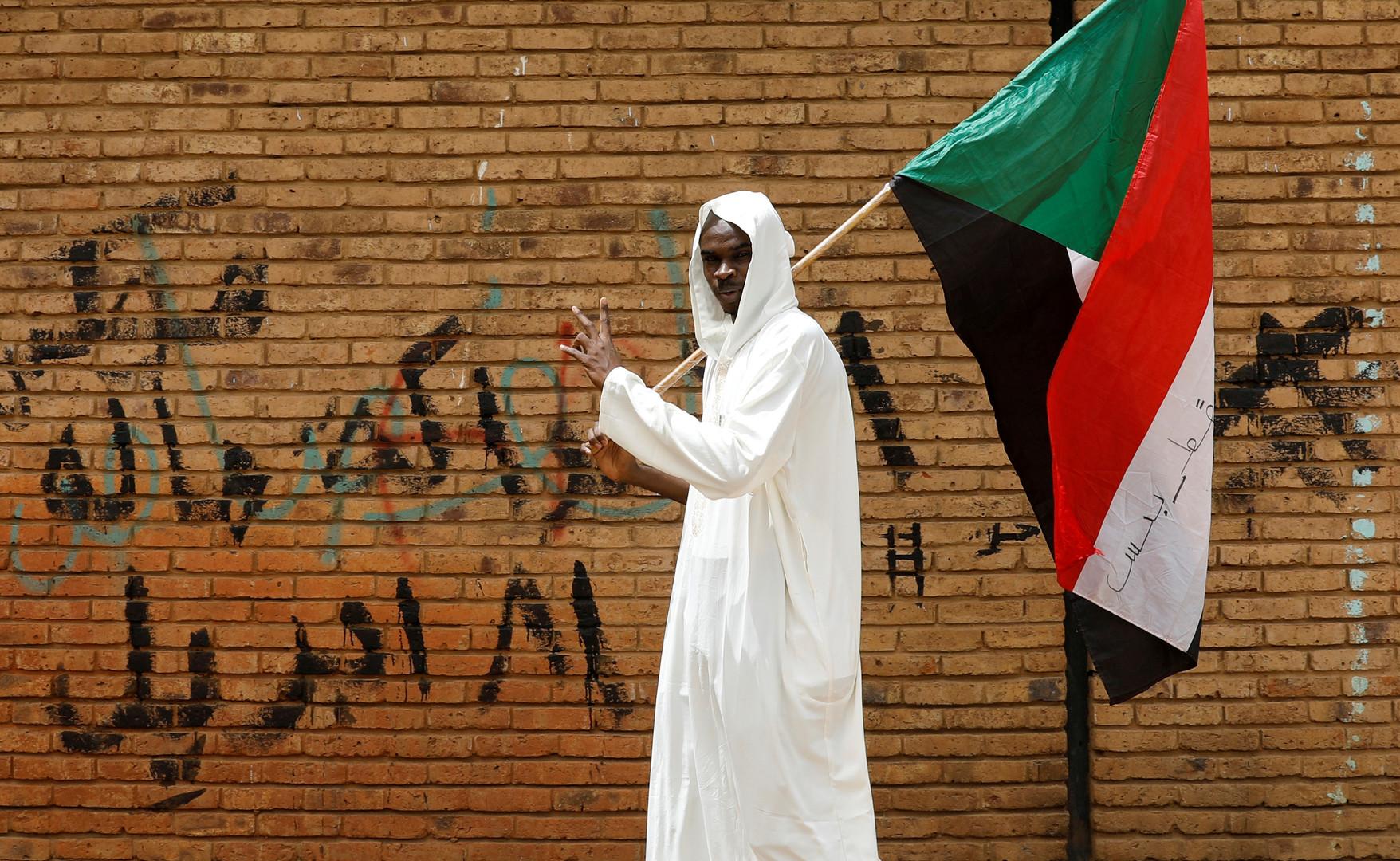 السودان.. قادة المحتجين يستعدون لإعلان