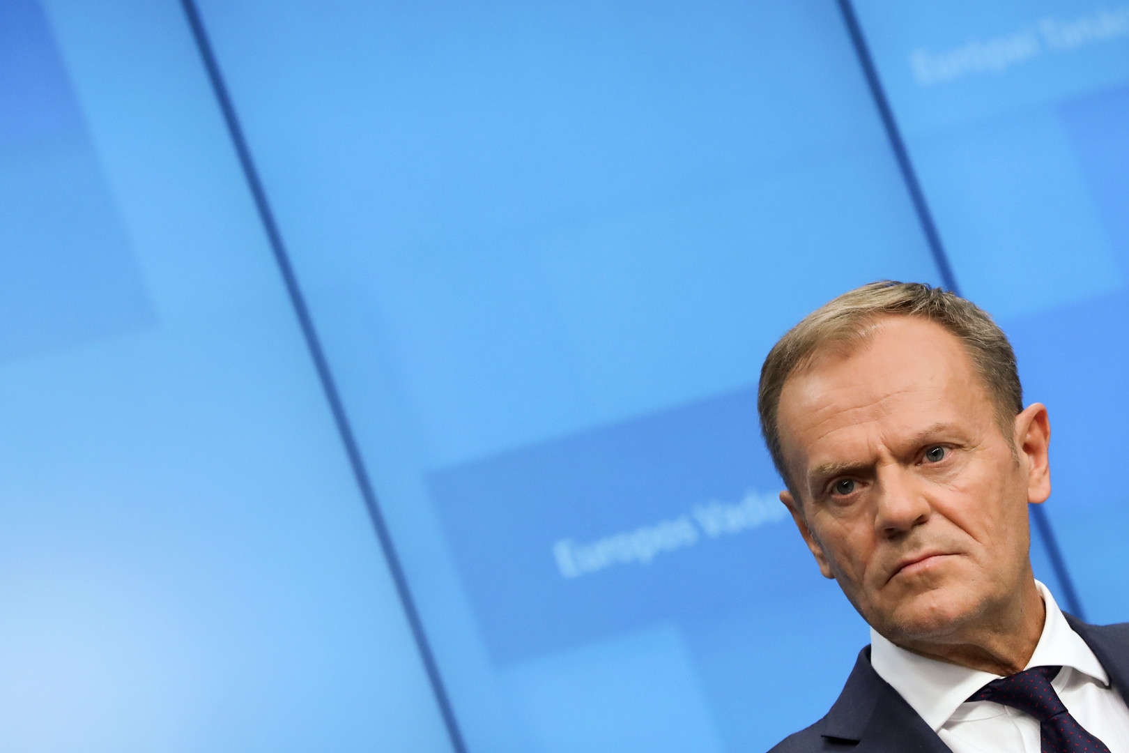 الاتحاد الأوروبي مهنئا زيلينسكي بالفوز في الانتخابات: سنواصل دعم أوكرانيا