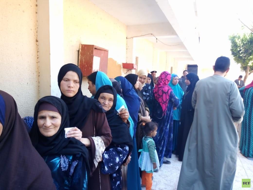 المصريون يصوتون في اليوم الثالث والأخير للاستفتاء علي التعديلات الدستورية