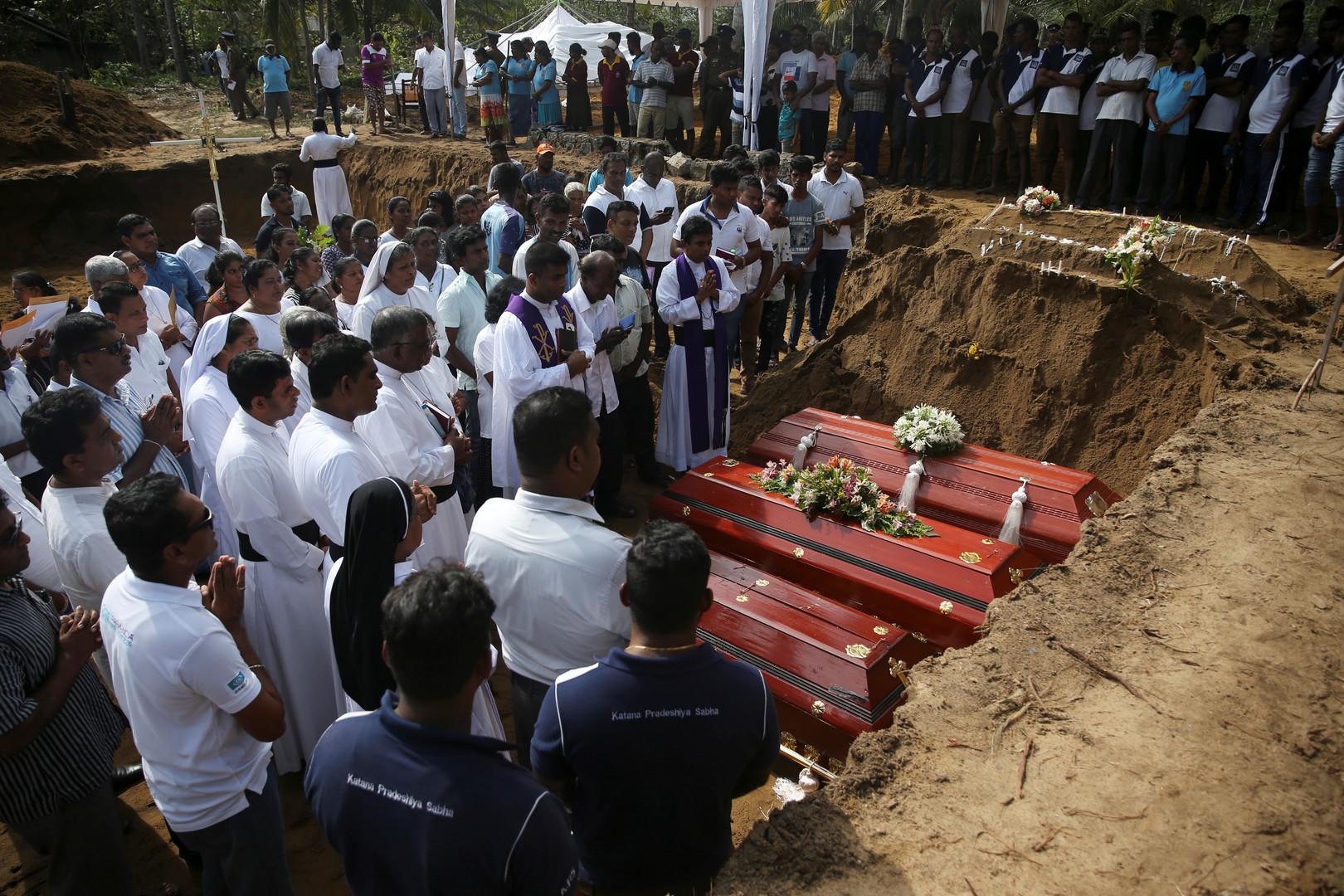 حداد وطني في سريلانكا وارتفاع حصيلة قتلى التفجيرات إلى 310 أشخاص