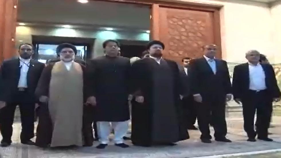 عمران خان في زيارة لضريح الإمام الخميني