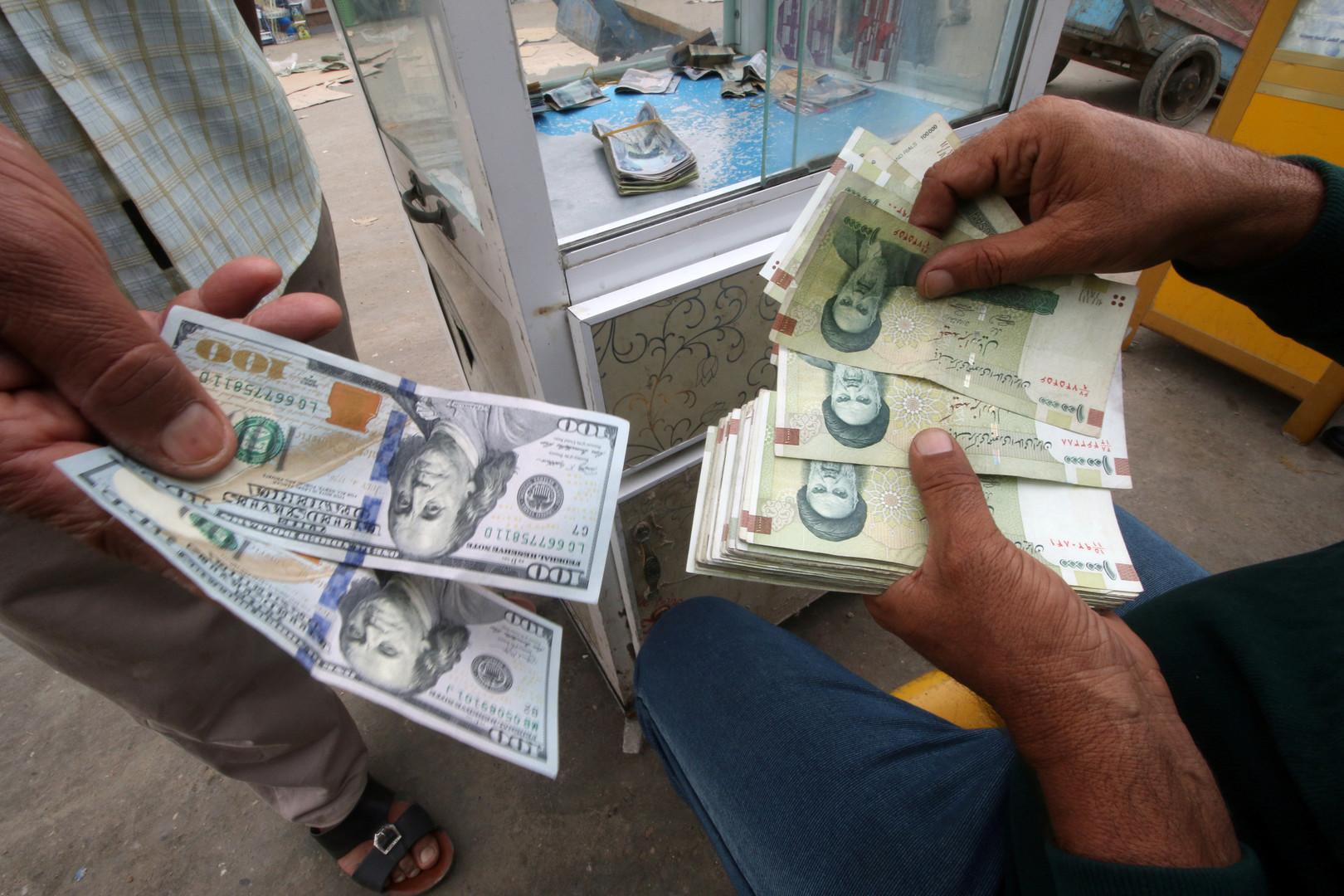 انخفاض الريال الإيراني بعد تشديد واشنطن قيودها على طهران