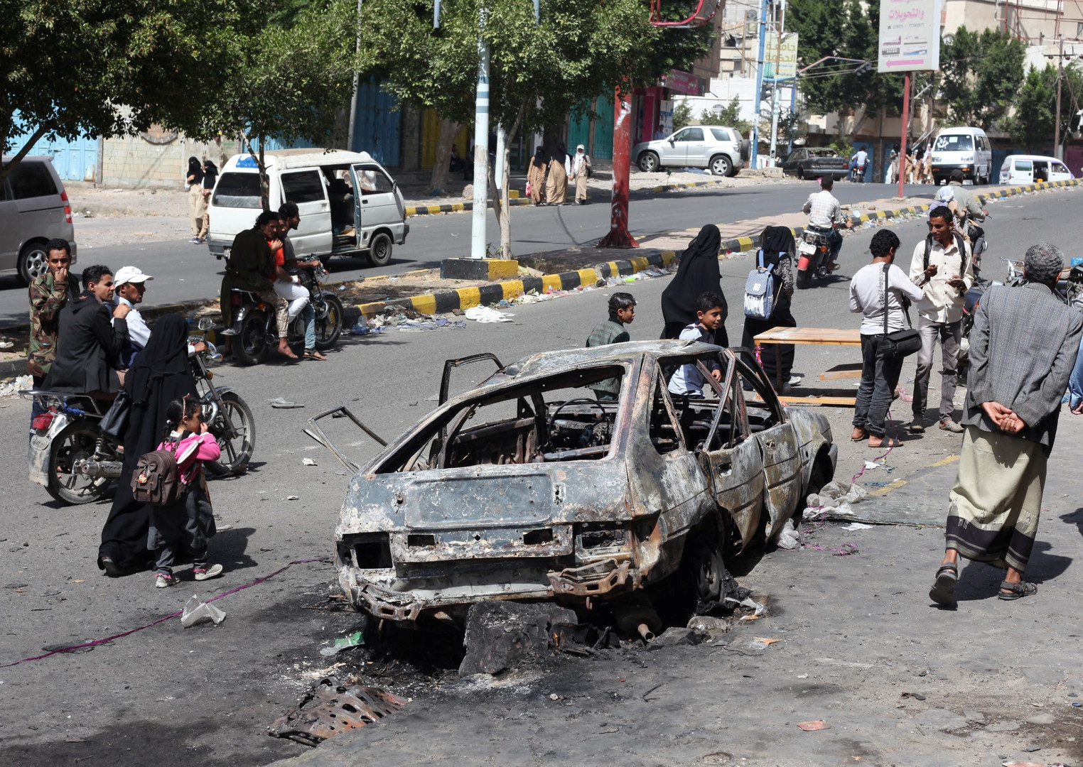 مقتل وإصابة العشرات في قتال تواصل لأيام بمدينة تعز جنوب اليمن