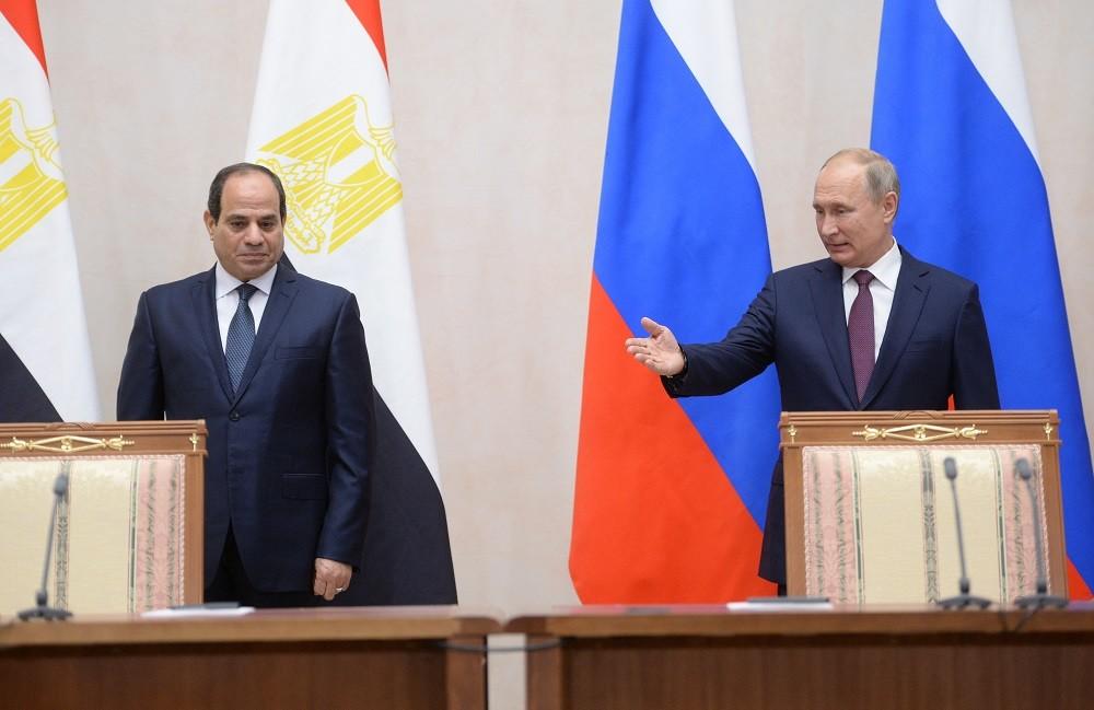 الرئيس الروسي، فلاديمير بوتين، ونظيره المصري، عبد الفتاح السيسي (سوتشي، 17 أكتوبر 2018)