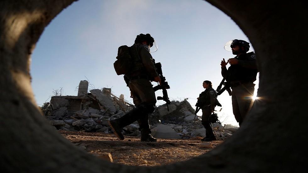 القوات الإسرائيلية تهدم منزل منفذ عملية سلفيت الشاب عمر أبو ليلى (فيديو)