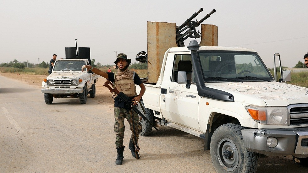 قوات موالية لحكومة الوفاق الوطني الليبية بالقرب من طرابلس