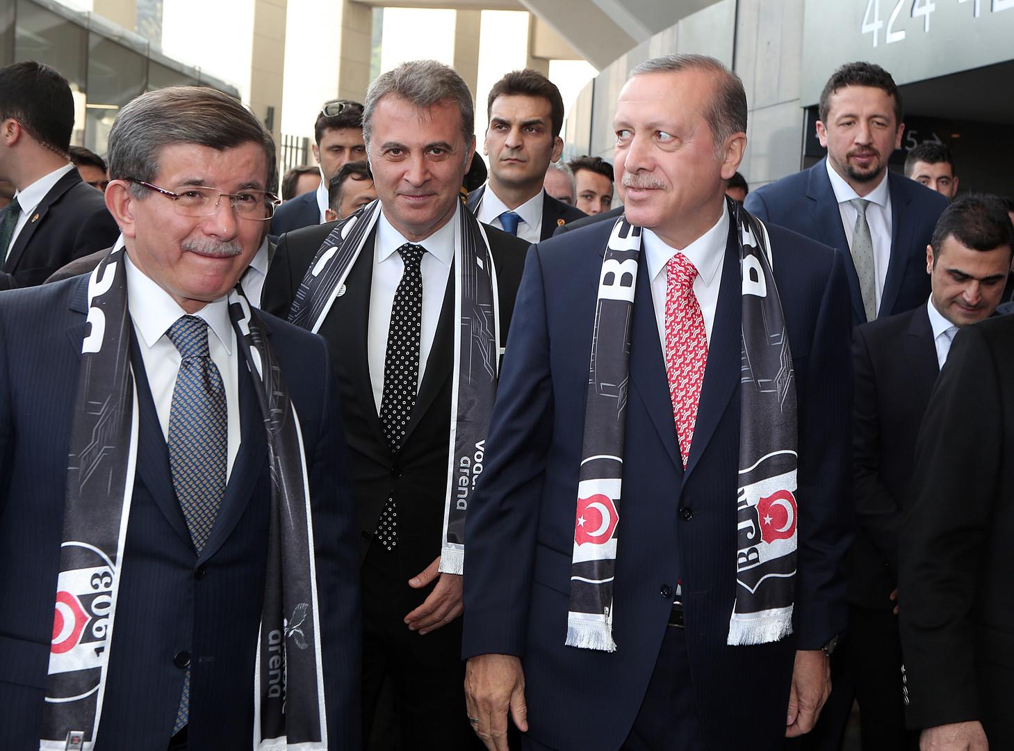 متمرد في الحزب الحاكم: داود أوغلو يتحدى أردوغان