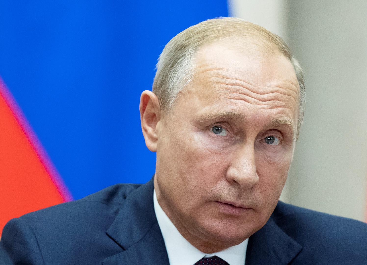 بوتين يوقع قانونا يسهل حصول سكان دونيتسك ولوغانسك على الجنسية الروسية