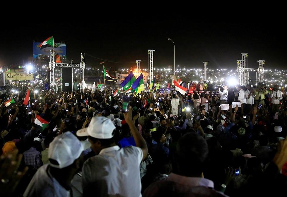 قوى إعلان الحرية والتغيير في السودان: سنقبل دعوة المجلس العسكري للاجتماع به في القصر الجمهوري