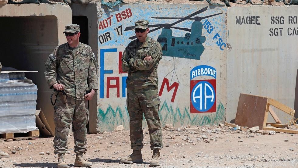 عناصر القوات الأمريكية في قاعدة القيارة بالقرب من الموصل (صورة من الأرشيف)