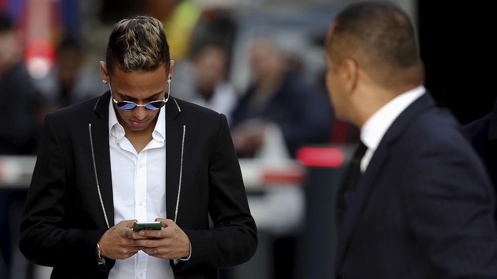 مكالمة هاتفية من نيمار تثير الرعب في ريال مدريد