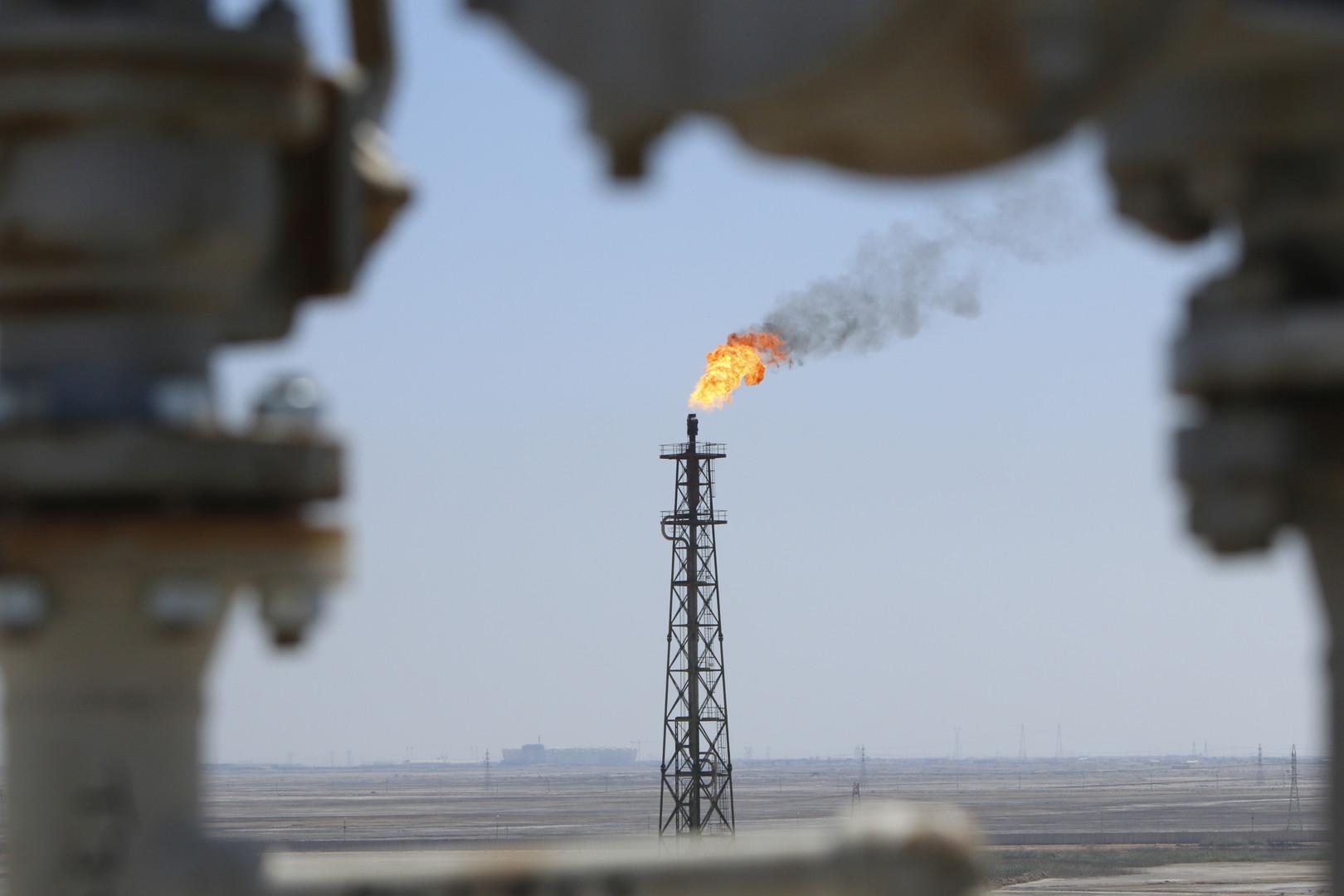 وزير الكهرباء العراقي يوضح لـRT حقيقة استثناء بلده من العقوبات الأمريكية