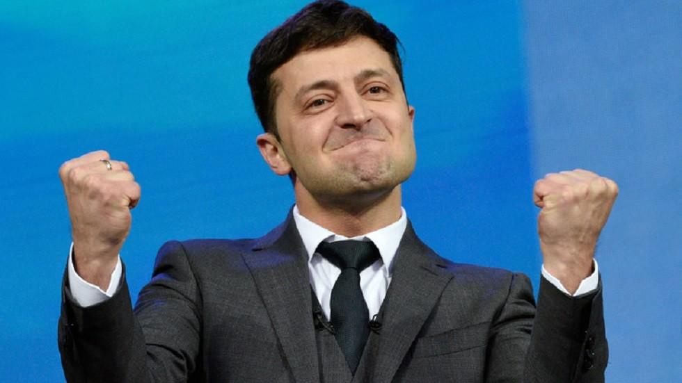 الرئيس الأوكراني الجديد يغير اسمه