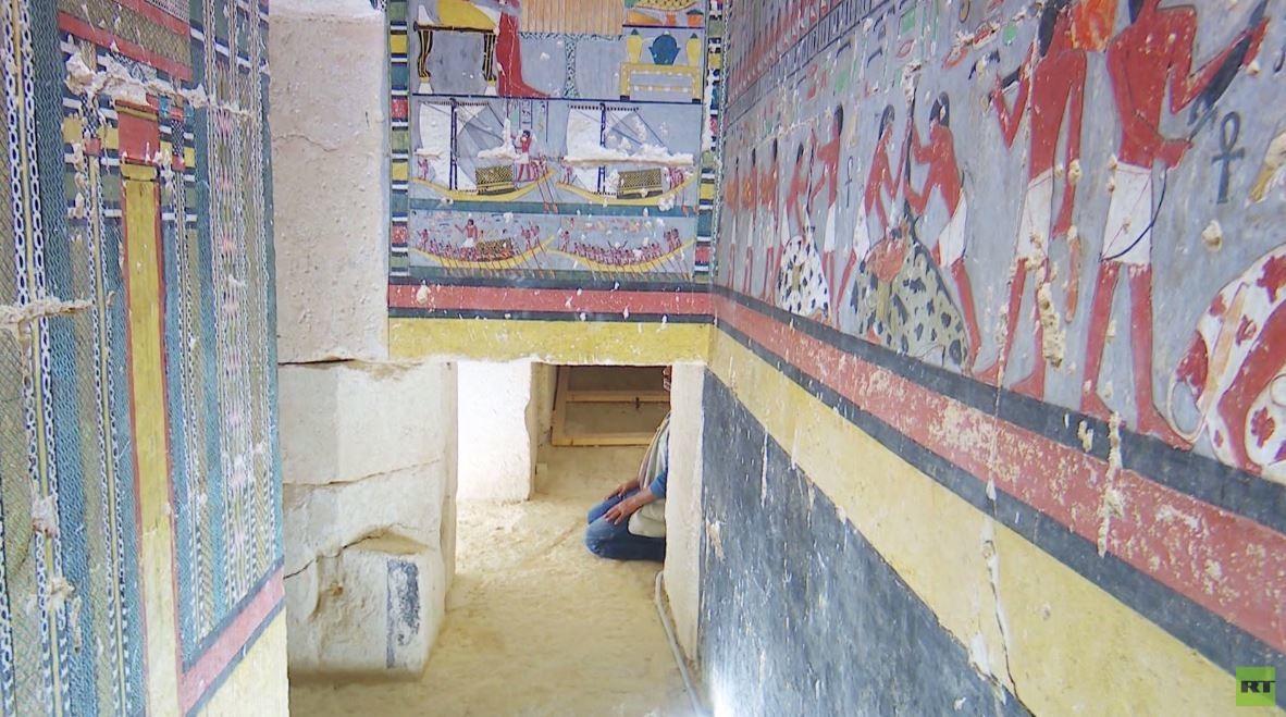 مصر.. الكشف عن مقبرة فرعونية في الجيزة