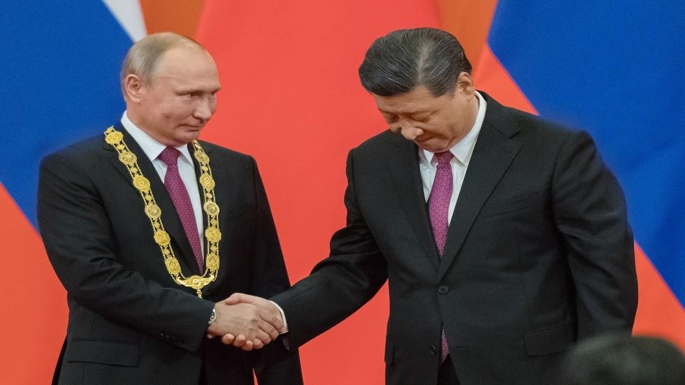 جامعة تسينغ هوا تمنح الدكتوراه الفخرية للرئيس بوتين