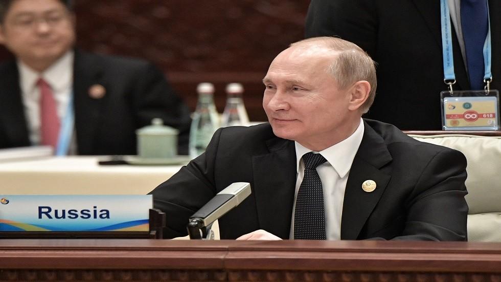 بوتين يدعو لربط الطريق البحري الشمالي بطريق الحرير