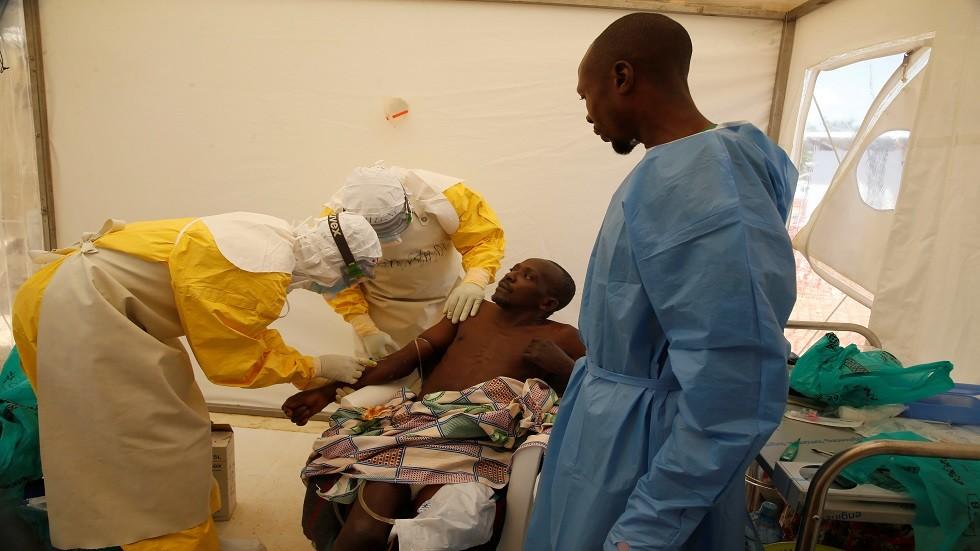 وباء إيبولا يحصد أرواح 900 شخص في الكونغو الديمقراطية