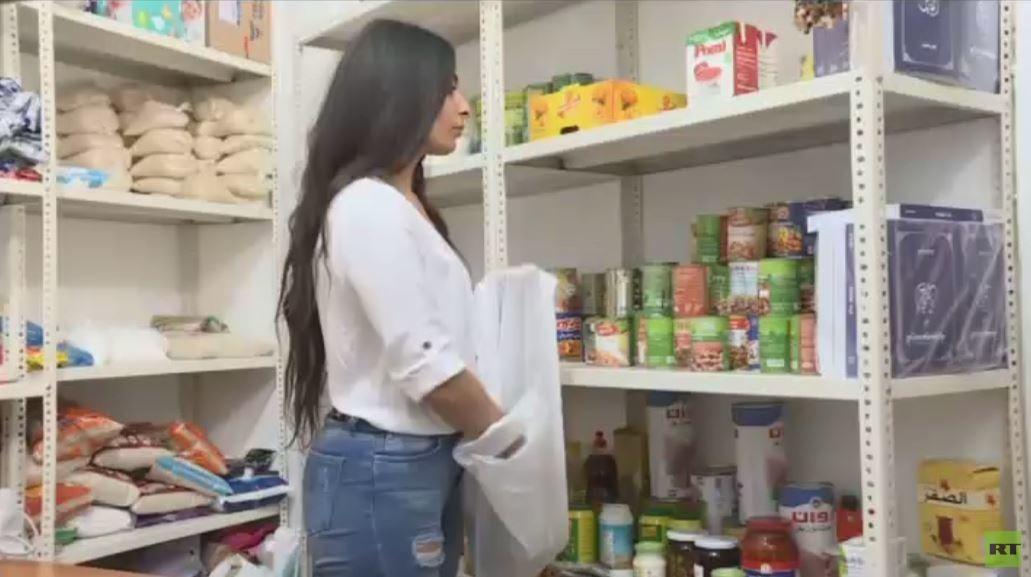 سيدة لبنانية تحول منزلها لمطبخ للفقراء